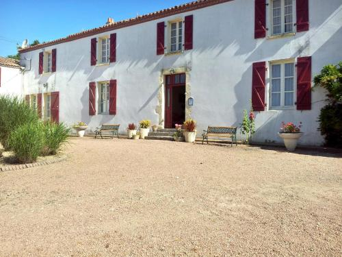 Holiday Home La Lande : Hebergement proche de La Chaize-le-Vicomte