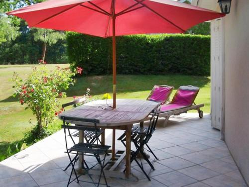 Holiday Home Domaine du Grand Roc 2 : Hebergement proche de La Chapelle-Montbrandeix