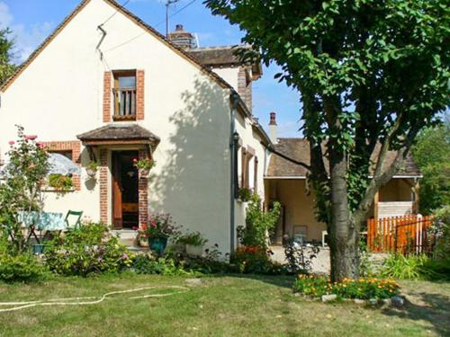 Holiday Home Rue des sources le grand veau : Hebergement proche de Michery