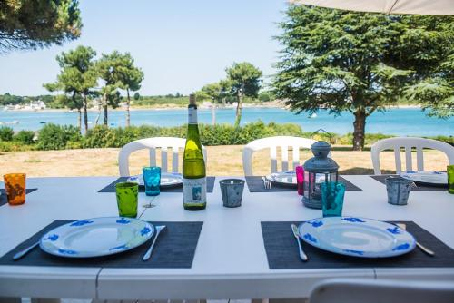 –Holiday home Chemin des Goemoniers : Hebergement proche de Crach