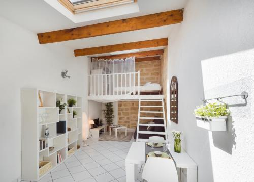Charming Loft Historic Center, St Roch : Appartement proche de Montpellier