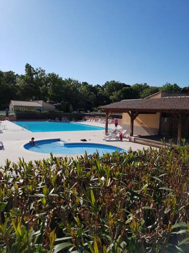 Holiday home Les Mazets de Gaujac : Hebergement proche de Tresques