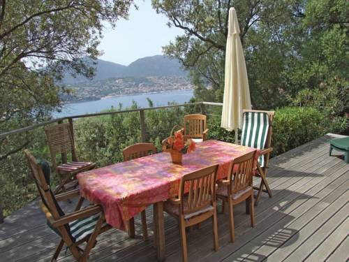 Three-Bedroom Holiday home Olmeto with a Fireplace 06 : Hebergement proche d'Olmeto