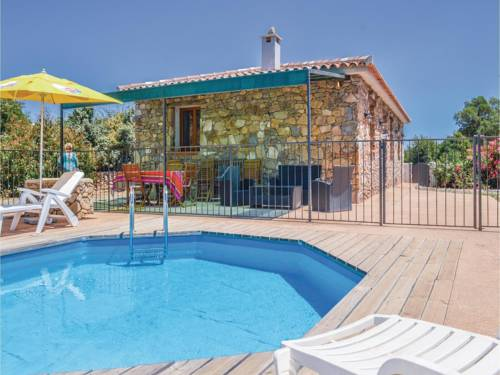 Three-Bedroom Holiday Home in Ventiseri : Hebergement proche de Ventiseri