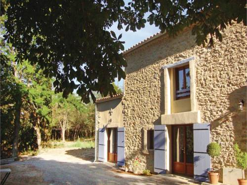 Four-Bedroom Holiday Home in Alzonne : Hebergement proche de Sainte-Eulalie