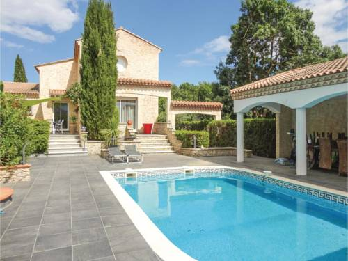 Five-Bedroom Holiday Home in Thezan les Beziers : Hebergement proche de Lignan-sur-Orb