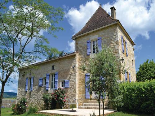 Holiday home Puy L´Eveque 12 with Outdoor Swimmingpool : Hebergement proche de Vire-sur-Lot