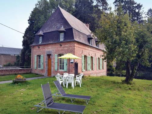 Four-Bedroom Holiday Home in Wiege Faty : Hebergement proche de Grougis