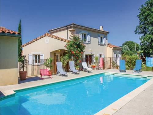 Three-Bedroom Holiday Home in Espeluche : Hebergement proche d'Allan