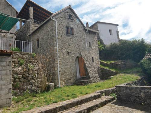 Three-Bedroom Holiday Home in S-Andre-de-Majoencoul. : Hebergement proche de Valleraugue