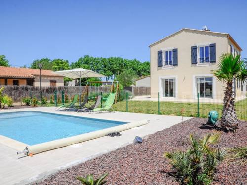 Holiday Home Le Prevot : Hebergement proche de Gardie