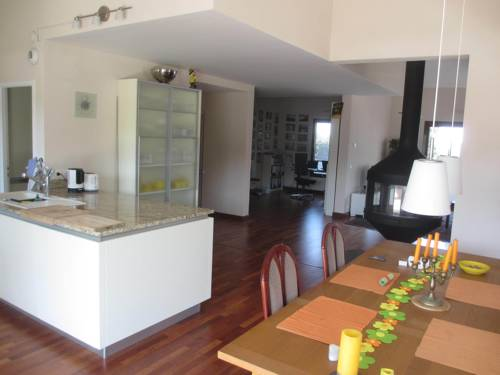 Guest Room in Rooftop Apartment : Hebergement proche d'Archamps