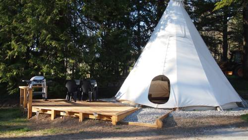 Tipi Glamping at Camping La Source : Hebergement proche de Beaurières