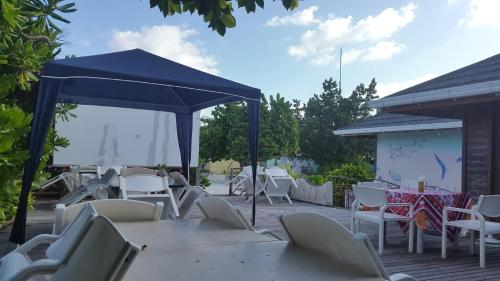 Holiday home Rognac 64 with Outdoor Swimmingpool : Hebergement proche de Berre-l'Étang