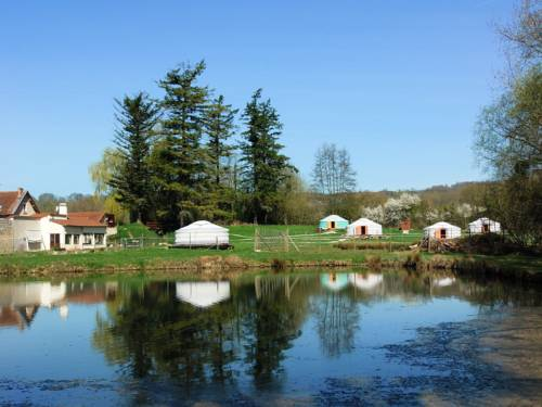 Yourtes du Moulin Bertrand : Hebergement proche de Chamouille