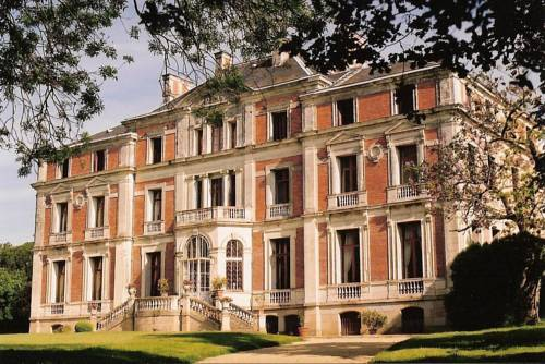 Palais Briau : Chambres d'hotes/B&B proche de Saint-Laurent-du-Mottay