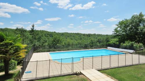 Holiday Home Saint Just : Hebergement proche d'Ajat