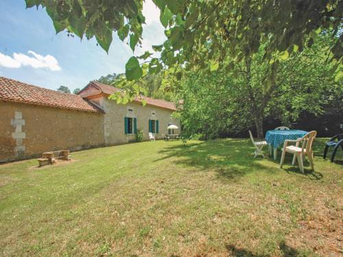 Holiday home Grignols with a Fireplace 324 : Hebergement proche de Neuvic