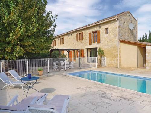 Four-Bedroom Holiday Home in Baron : Hebergement proche d'Aigaliers