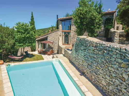 Four-Bedroom Holiday Home in Bouquet : Hebergement proche de Brouzet-lès-Alès