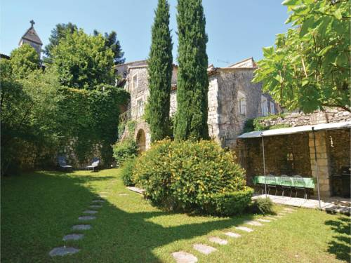 Four-Bedroom Holiday Home in Navacelles : Hebergement proche de Brouzet-lès-Alès