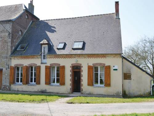 Three-Bedroom Holiday Home in Chigny : Hebergement proche d'Englancourt