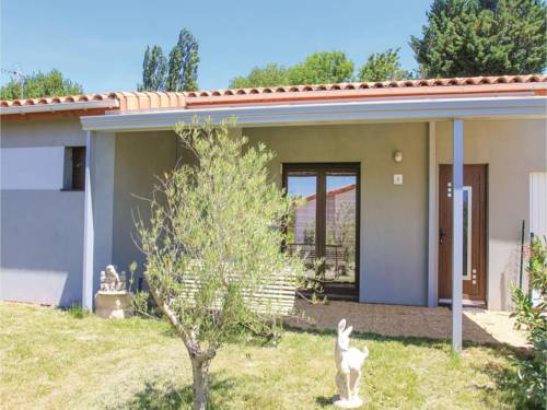 Holiday home Charols 75 with Outdoor Swimmingpool : Hebergement proche de Salettes