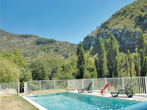 Holiday home Plaisians 84 with Outdoor Swimmingpool : Hebergement proche de Saint-Auban-sur-l'Ouvèze