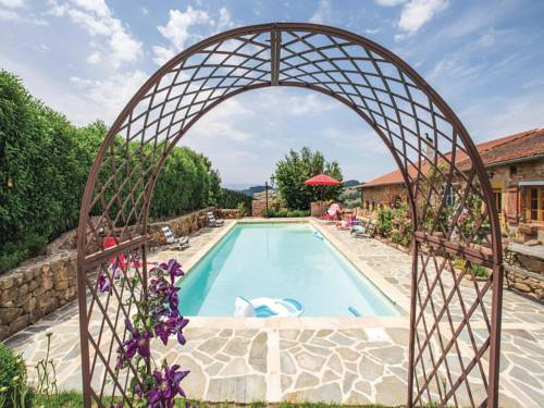 Holiday home Mardore 33 with Outdoor Swimmingpool : Hebergement proche de Cublize
