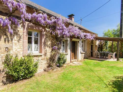 Holiday home Cottage Le Puy Tramuzat : Hebergement proche de La Porcherie