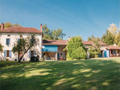 Two-Bedroom Holiday Home in Saint Pe Saint Simon : Hebergement proche de Sos