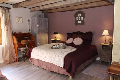 Le Doux Nid : Chambres d'hotes/B&B proche d'Artemare