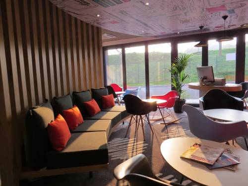 ibis Soissons : Hotel proche d'Osly-Courtil