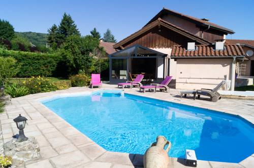 Paladru carte plan hotel village de paladru 38137 ou for Piscine des chartreux