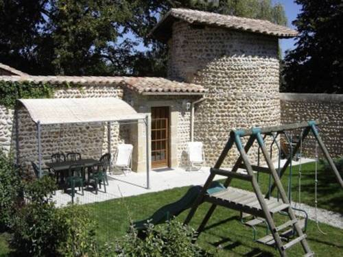 Holiday home chateaux du cros : Hebergement proche d'Anneyron
