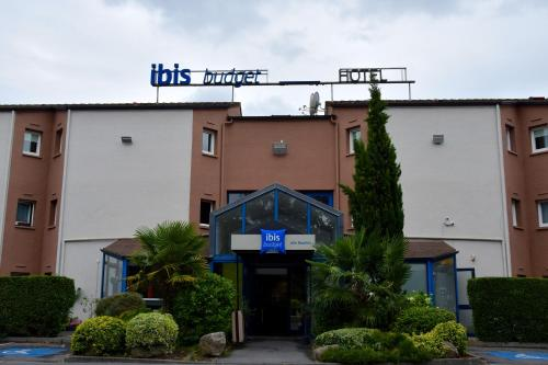 Ibis budget Lille Ronchin - Stade Pierre Mauroy : Hotel proche de Faches-Thumesnil