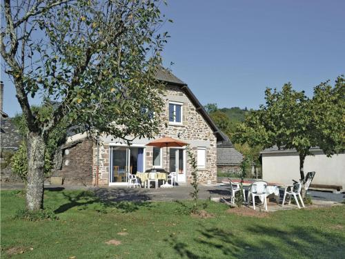 Holiday home Voutezac with Outdoor Swimming Pool 438 : Hebergement proche d'Allassac