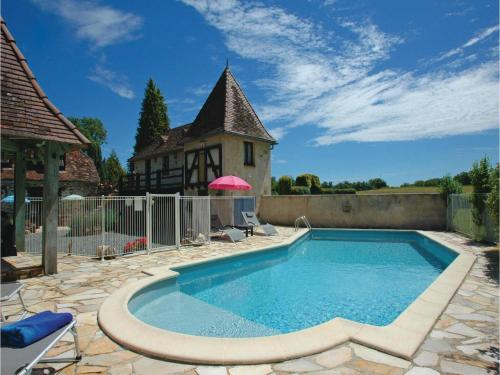 Holiday home Savigvac-Lédrier 77 with Outdoor Swimmingpool : Hebergement proche de Lanouaille
