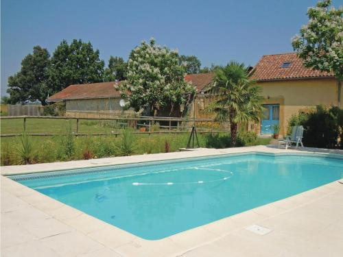 Holiday Home Domaine Tournesol : Hebergement proche de Moncaup