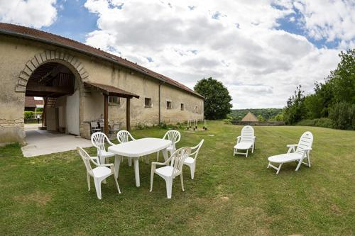 Holiday Home Grand Charmois : Hebergement proche de Monampteuil