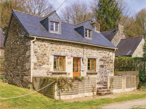 One-Bedroom Holiday Home in Trebrivan : Hebergement proche de Carnoët