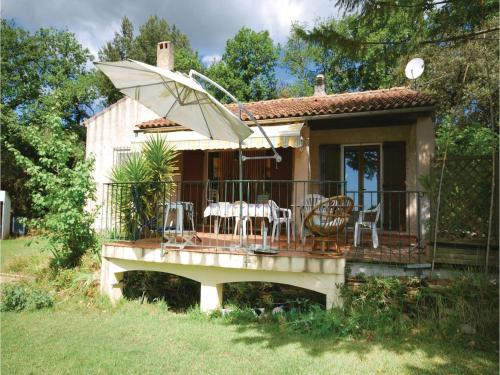 Three-Bedroom Holiday Home in Puget Ville : Hebergement proche de Rocbaron