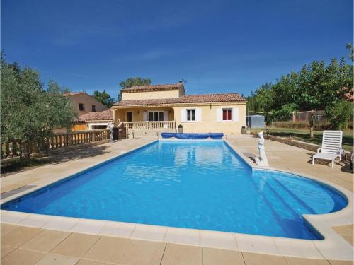 Six-Bedroom Holiday Home in St Julien L Montagnier : Hebergement proche de Saint-Julien