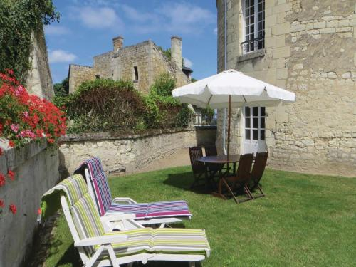 Holiday Home Parilly : Hebergement proche de La Roche-Clermault