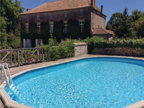Two-Bedroom Holiday Home in Feuillade : Hebergement proche de Saint-Germain-de-Montbron