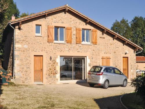 Four-Bedroom Holiday home Mouzon with a Fireplace 04 : Hebergement proche de Massignac