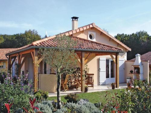 Holiday home Les Forges with Outdoor Swimming Pool 396 : Hebergement proche de Vausseroux