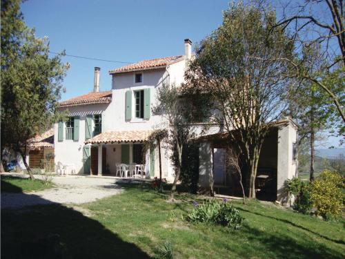 Seven-Bedroom Holiday home Laurac with a Fireplace 03 : Hebergement proche de Laurabuc