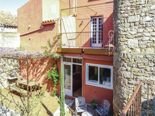 Four-Bedroom Holiday Home in Lagrasse : Hebergement proche de Lagrasse