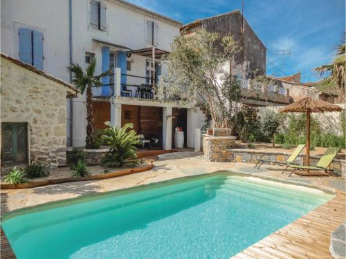 Five-Bedroom Holiday Home in Puimisson : Hebergement proche de Pailhès